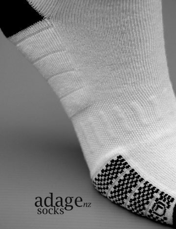 Sports Sock with compression features